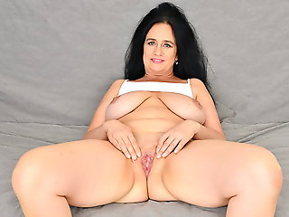 mature, bbw, milf, hd videos, cougar, striptease
